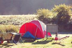 campeggio immagini stock