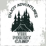 Campeggio dell'annata o logo di turismo illustrazione vettoriale
