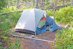 Campeggio della regione selvaggia nel primo mattino Fotografia Stock Libera da Diritti