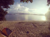 Campeggio della spiaggia Immagine Stock