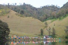 Campeggio di Kumbolo Ranu fotografie stock libere da diritti