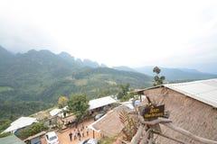 Campeggio e tenda di alloggio presso famiglie a Doi Luang Chiang Dao in Chiang Mai Province, Tailandia Fotografie Stock