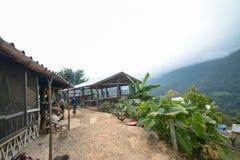 Campeggio e tenda di alloggio presso famiglie a Doi Luang Chiang Dao in Chiang Mai Province, Tailandia Fotografie Stock Libere da Diritti