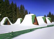 Campeggio in montagne di Bucegi, Romania, paesaggio di inverno immagini stock libere da diritti