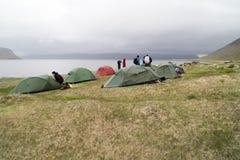 Campeggio, nebbia, pioggia, Islanda fotografie stock libere da diritti