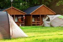 Campeggio turistico della casa della tenda Fotografia Stock