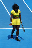 Campeón Serena Williams del Grand Slam de veinte un veces en la acción durante su partido final cuarto en Abierto de Australia 20 Fotografía de archivo