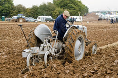 Campeonato de arado - tractor del vintage Fotos de archivo
