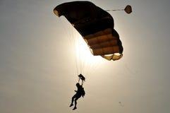 Campeonato de salto de paraquedas militar do mundo Fotografia de Stock