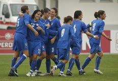 CAMPEONATO FEMENINO 2009, ITALY-HUNGARY DEL FÚTBOL DE LA UEFA Fotografía de archivo