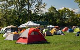 Camper au festival photographie stock