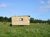 Camper dans la nature photographie stock libre de droits