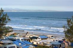 Camper de bord de la mer photographie stock libre de droits