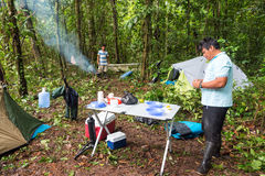 Camper en Amazone Images libres de droits