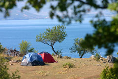 Camper en nature Photo libre de droits