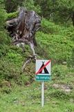 Camper interdit dans les montagnes autrichiennes Image stock