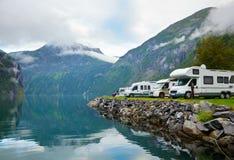 Camper par le fjord Images libres de droits