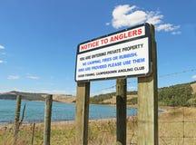 CAMPERDOWN, VICTORIA, AUSTRALIEN - 17. Januar 2016: See Bullen-Merri, nahe Camperdown, ist ein Kratersee, der mit Anglern sehr po Stockbild