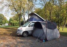 campervan campingplatstent Arkivbilder