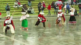 Campesinos quechuas que celebran Inti Raymi o el festival del sol metrajes