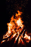 Campfire with flying sparks Royalty Free Stock Photos