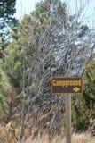 Campground-Zeichen Lizenzfreie Stockfotos
