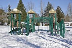 Campi da giuoco dei bambini in un parco pubblico Fotografie Stock Libere da Diritti