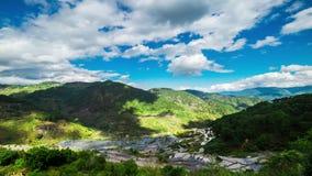 Campi dei terrazzi del riso in montagne della provincia di Ifugao Banaue, Filippine video d archivio
