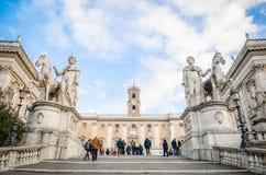 Campidoglio, Di de Comune Roma (hôtel de ville) et Cordonata photos libres de droits