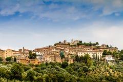 Campiglia Marittima är en gammal by i Tuscany, Italien Royaltyfria Foton