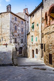 Campiglia Marittima est un vieux village en Toscane, Italie Image stock