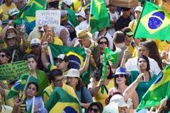 Campinas, Бразилия - 16-ое августа 2015: антипровительственные протесты в Бразилии, прося импичмент Dilma Roussef Стоковые Фотографии RF