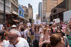 Campinas, São Paulo, Brésil - 29 septembre 2018 Mouvement brésilien de #elenão de NotHim contre les candidats d'extrême droite photo libre de droits