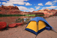Camping. In canyonland next to colorado river Royalty Free Stock Photography