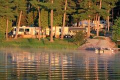 Camping en la costa Imagenes de archivo