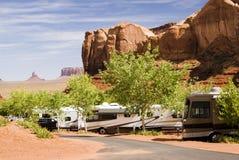 Camping en valle del monumento Fotos de archivo libres de regalías