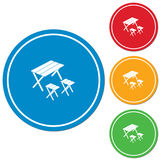 Camping table and stool icon Royalty Free Stock Images