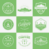 Campingowy logo, etykietki i odznaki, Podróż emblematy Obraz Royalty Free