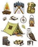 Campingowy wyposażenie set, plenerowa przygoda, wycieczkuje Podróżny mężczyzna z bagażem turystyki wycieczka grawerująca ręka rys ilustracji