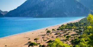 Campingplats på sandstranden Royaltyfria Foton