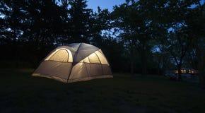 Campingplatstält Arkivfoto