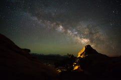 Campingplatz astrophotography-Utahs Slickrock lizenzfreies stockbild