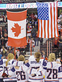 Campionato del mondo del hockey su ghiaccio delle donne di IIHF - partita della medaglia d'oro - il Canada v U.S.A. Immagini Stock Libere da Diritti