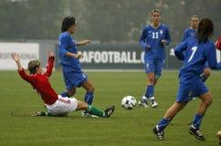 CAMPIONATO FEMMINILE 2009, ITALY-HUNGARY DI CALCIO DELL'UEFA Fotografie Stock Libere da Diritti