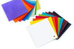 Campioni colorati di tessuto sui precedenti Posto per testo Vista superiore Immagine Stock