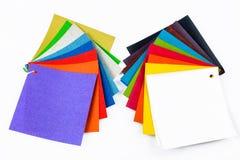 Campioni colorati di tessuto sui precedenti Posto per testo Vista superiore Immagine Stock Libera da Diritti