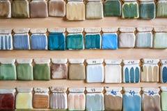 Campioni della pittura delle terraglie sulla parete Immagine Stock Libera da Diritti