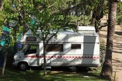Campista en un camping imagen de archivo