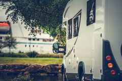 Campista Van Campsite fotografía de archivo