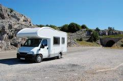 Campmobile in der Natur Lizenzfreie Stockfotografie